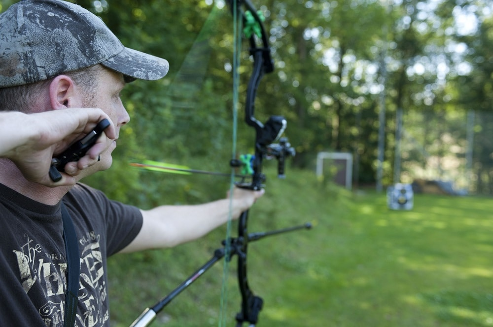 Compound Bow Stabilizer Setup featured