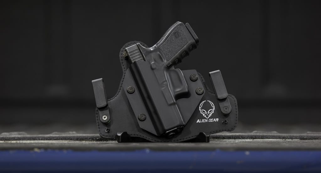 best IWB holster for big guys featured
