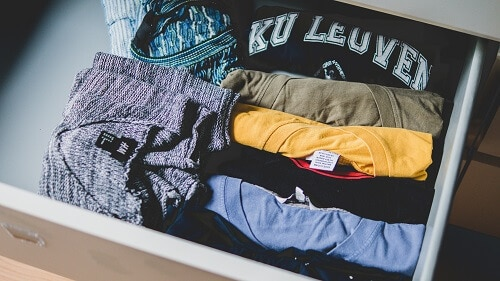 Packing clothes