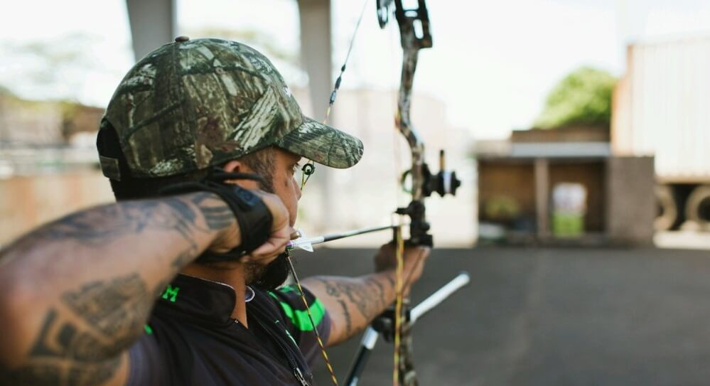 what size peep sight for bow hunting featured